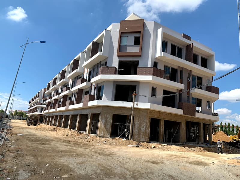 cap-nhat-tien-do-xay-dung-shophouse-hacom-mall-thang-5-2021-2