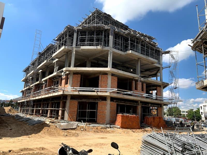 cap-nhat-tien-do-xay-dung-shophouse-hacom-mall-thang-5-2021-6